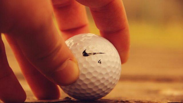 ゴルフボール